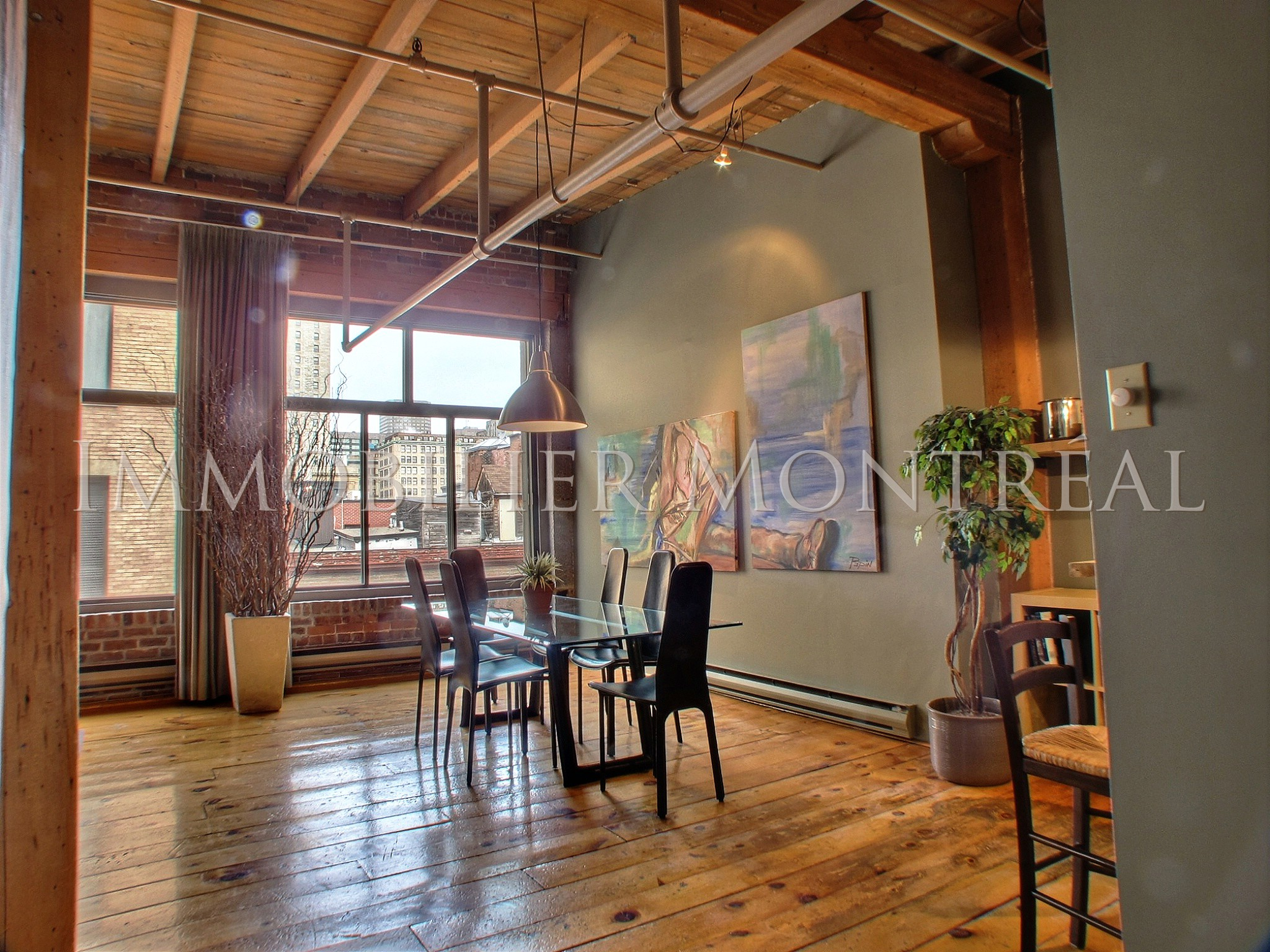 Loft zara location appartements meubl s montreal for Meubles anciens montreal