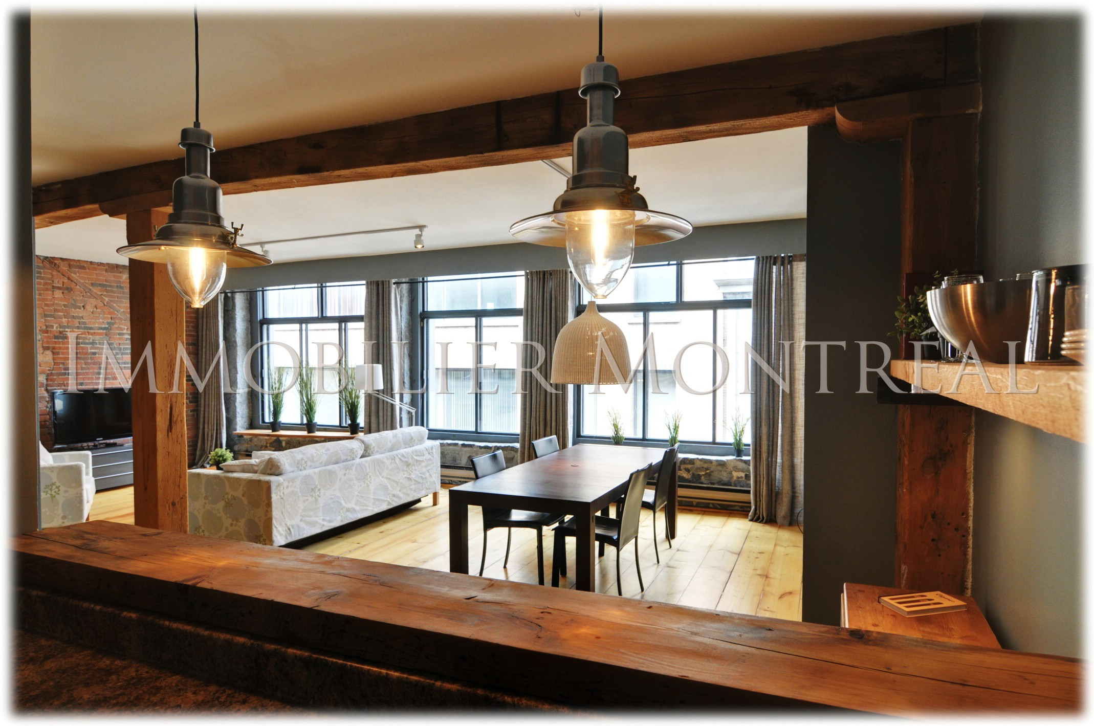 Loft mia location appartements meubl s montreal for Entrepot de meuble montreal