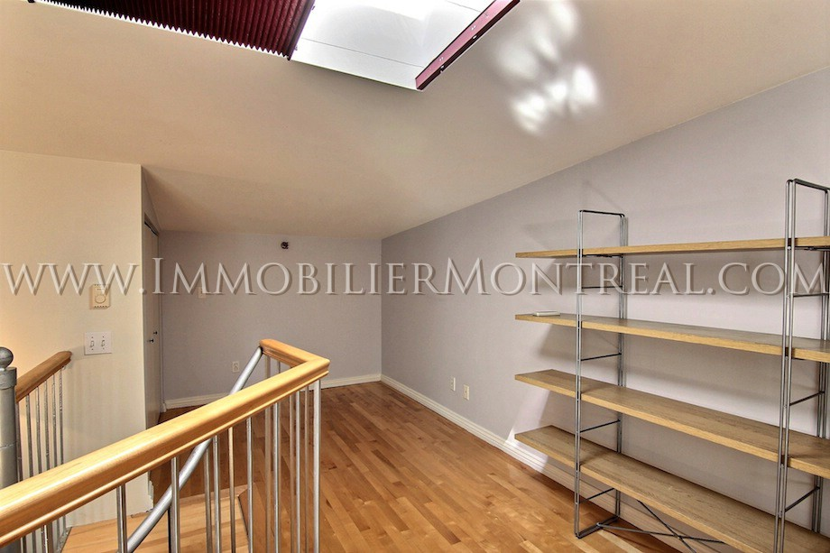 Loft vieux montr al location appartements meubl s montreal furnished apartments for Meuble terrasse montreal